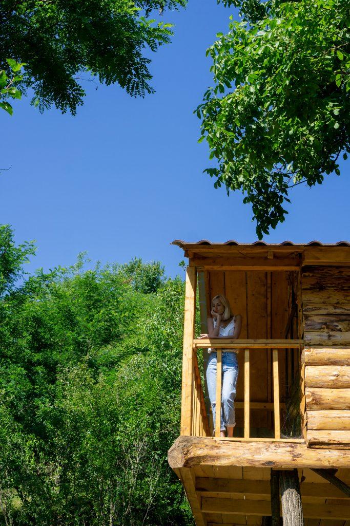The Loft Tree House balconTransylvania Log Cabins