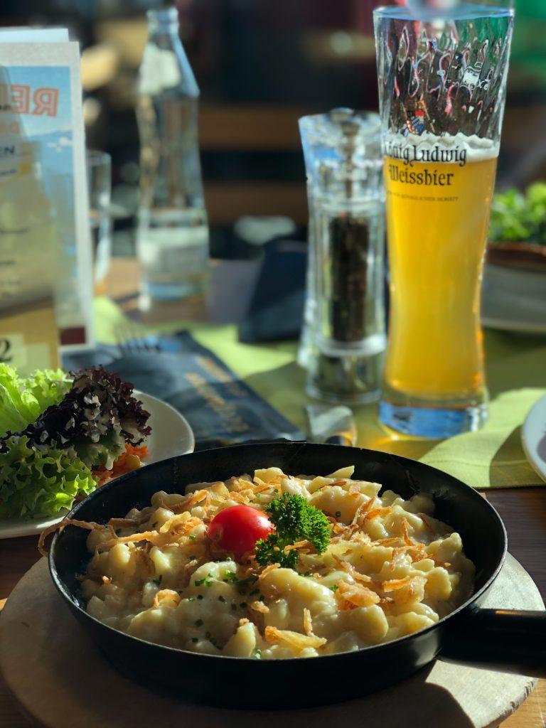 Mancare restaurant partie Samnaun Elvetia ski