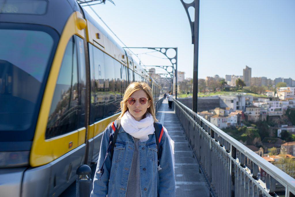 Trenul pe podul Dom Luis I Porto