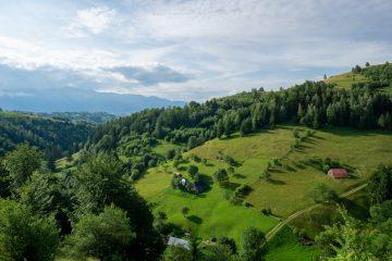 Sat Magura Moeciu munte Brasov Romania