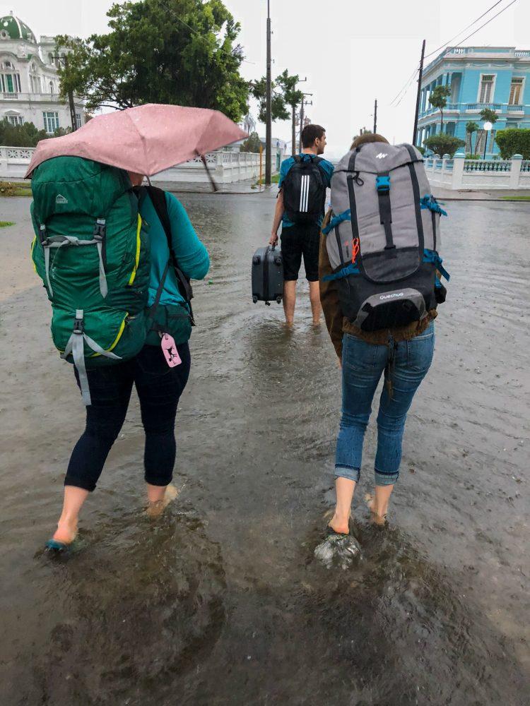 Blocati in Cienfuegos Cuba din cauza indundatiilor