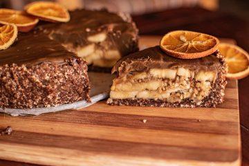 Tarta cu banane si caramel fara coacere