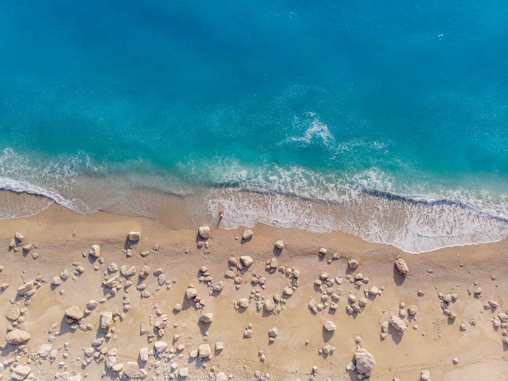 Grecia in vreme de pandemie, plaja Egremni, Lefkada
