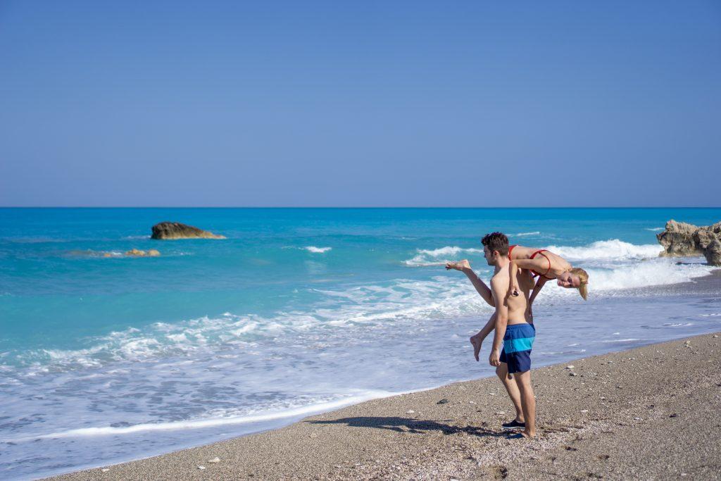 Grecia in vreme de pandemie, plaja Gialos, Lefkada