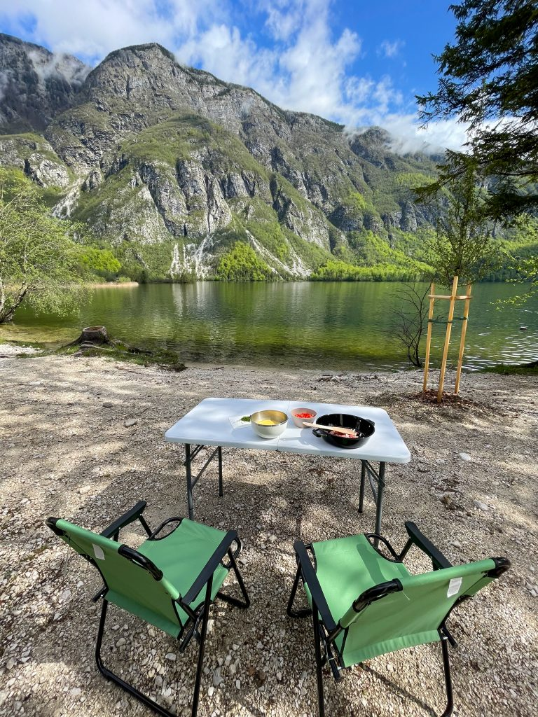Micul dejun la Camp Zlatorog Bohinj Slovenia